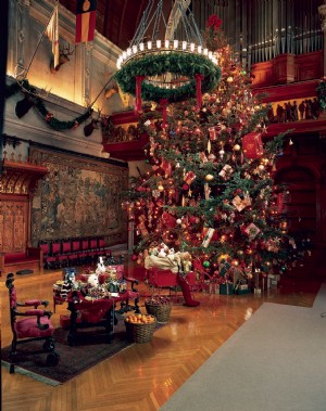 known as one of the southeasts most beloved and storied holiday travel destinations christmas at biltmore is set to begin on november 5 2010 - The Dining Room Biltmore