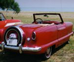 Metropolitan_convertible_red_by_lake